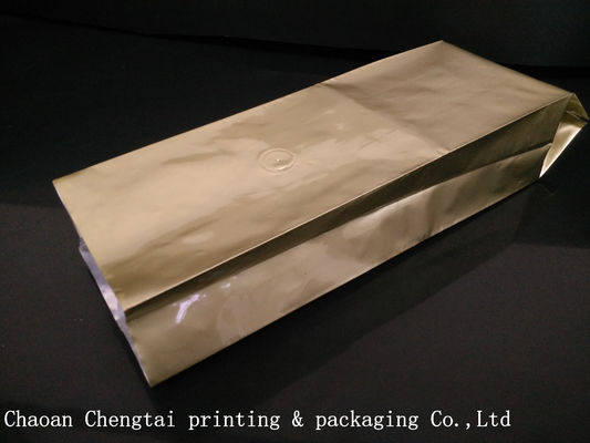 Cina Golden Color Custom Coffee Packaging For Coffee Bean With Valve , Alu Laminated Material Distributor